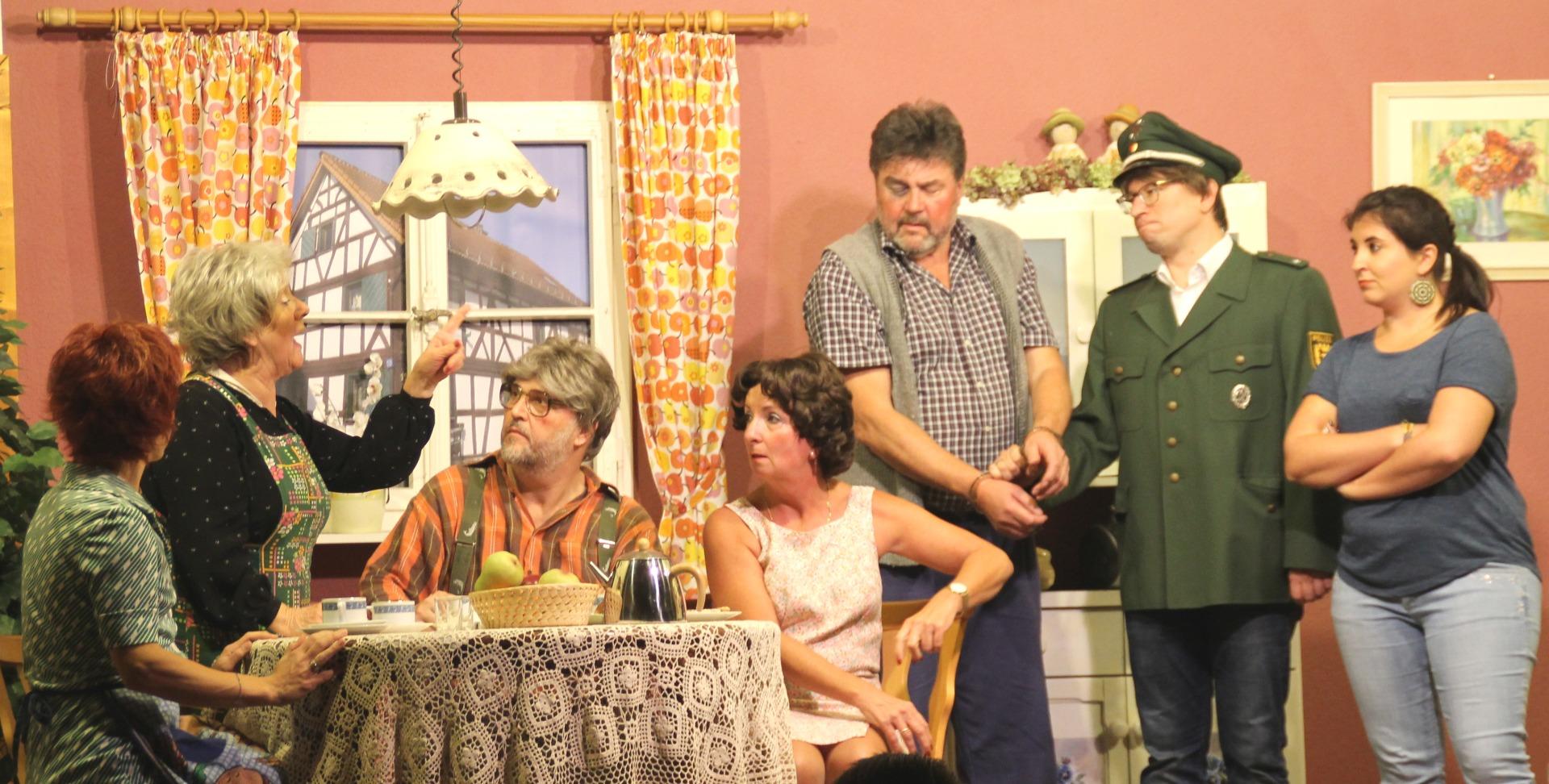 ▷ Richener Speckmärbslestheater begeisterte das Publikum - Eppingen.org